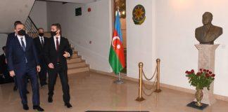 Ceyhun Bayramov Pakistanda Azərbaycan Səfirliyini ziyarət edib