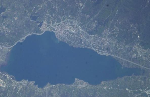 بحيرة سبينس العذبة فى سقاريا تركيا