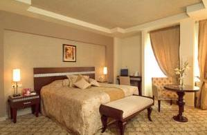 فندق ألميرا Almira Hotel