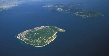 معلومات هامة عن السكان و اللغة  في تركيا