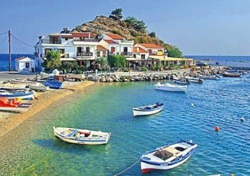 turk-turist-yunan-adalarina-akin-ediyor-4789527_8417_o