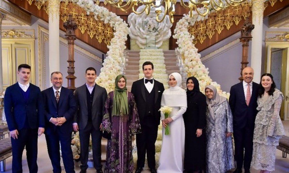 Tamince ve Ülker aileleri Dubai'deki düğün sonrası dünür oldular
