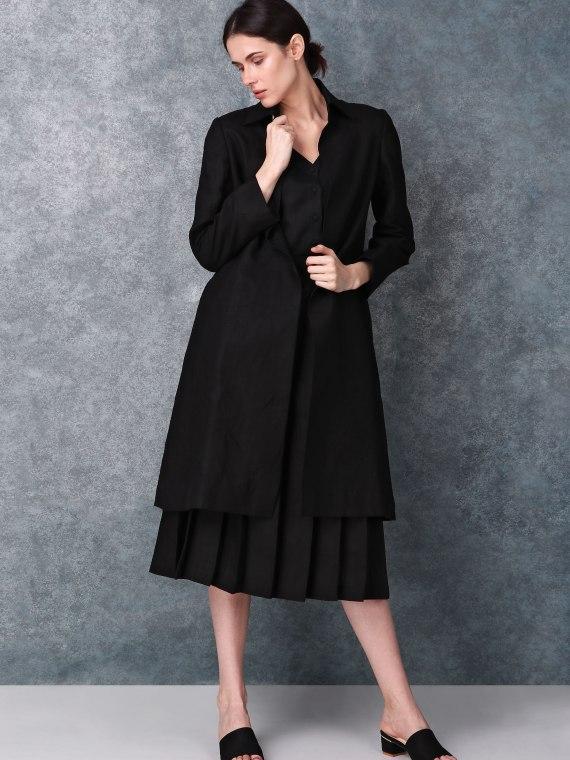 Black collared long jacket