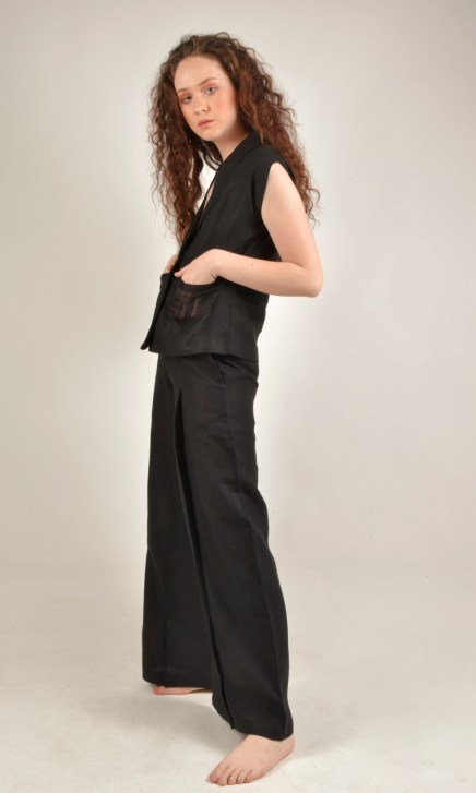 Shell Sleeved Black Linen Top