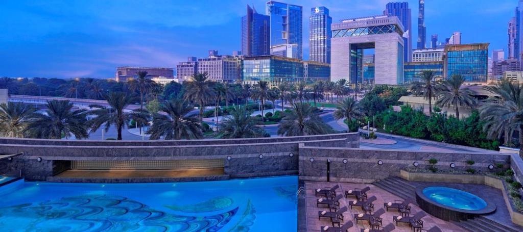Jumeirah discount cheap business class flights dubai