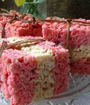 Strawberry Lemonade Rice Krispie Treats