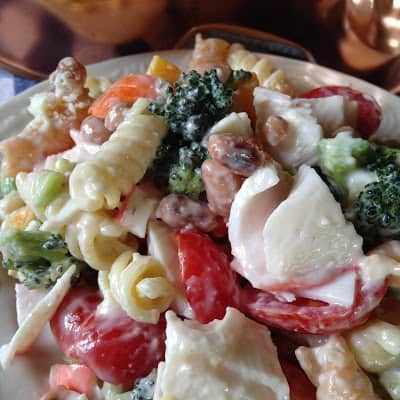 how to make seafood pasta salad with italian dressing