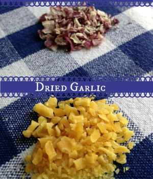 How to Dry Onions and Garlic in the Oven