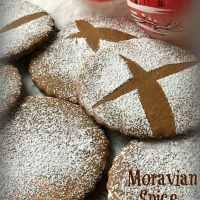 Moravian Spice Crisp Cookies
