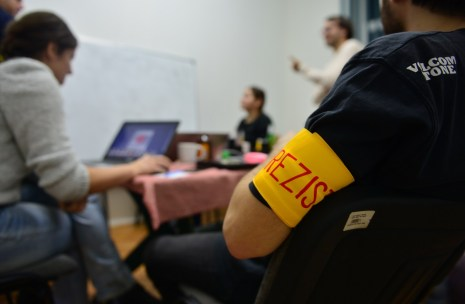 hackathon stiri false 2