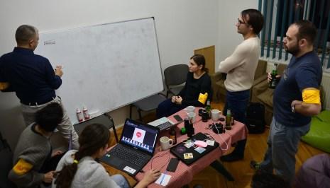 hackathon stiri false 3