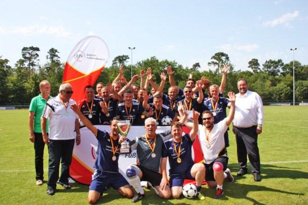 Die Ü40 des TuS Mingolsheim holte sich in Forst zum zweiten Mal den badischen Meistertitel