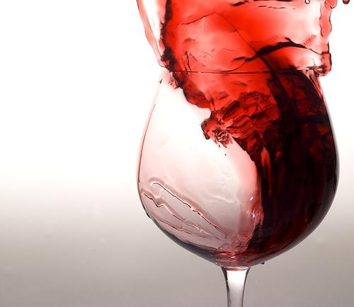 https://i1.wp.com/www.tusaludybienestar.es/wp-content/uploads/2011/10/vino-tinto.jpg