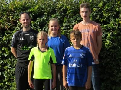 hintere Reihe vlnr: Björn Lippa, Sina Otte, Daniel Warnecke, vorn Marie und Max Dehning