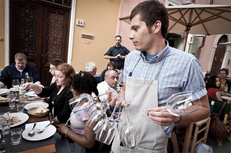 Il ristorante Filippo a Pietrasanta, è uno dei migliori ristoranti della Versilia, propone piatti tradizionali di pesce e carne rivisitati in chiave moderna