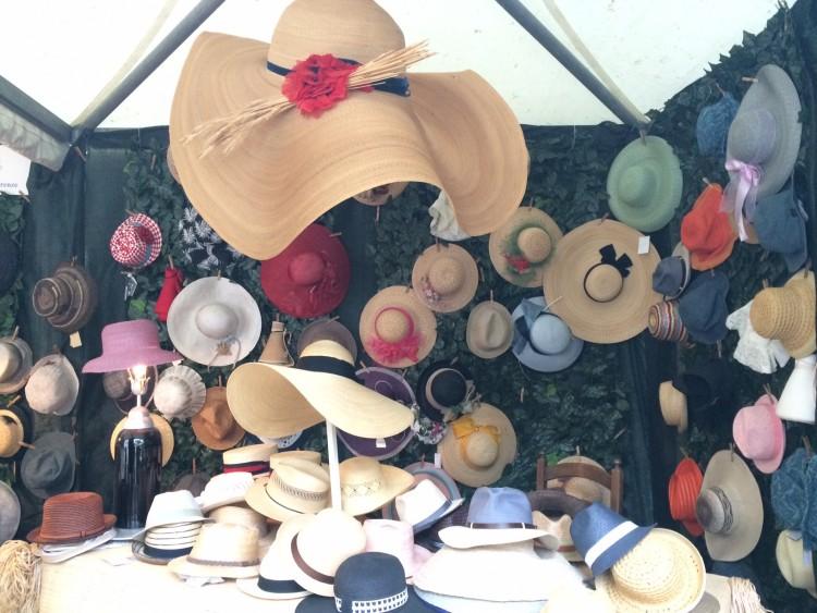 Cappelli di paglia: la lavorazione della paglia è tipica dell'artigianato fiorentino