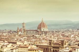 5 ristoranti con vista a Firenze: Se.Sto on Arno, Golden View, La Capponcina, Il Conventino a Marignolle, Terrazza 45.