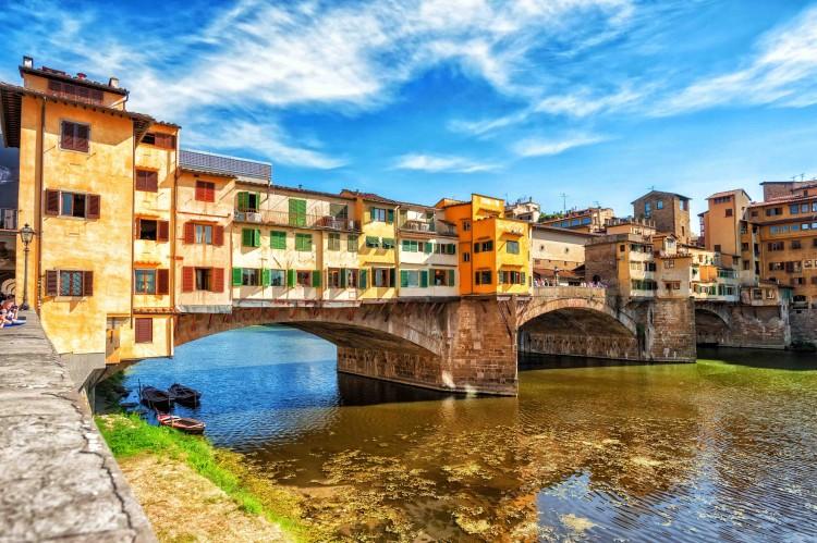 Da Ponte Vecchio a San Frediano, uno dei quartieri storici fiorentini