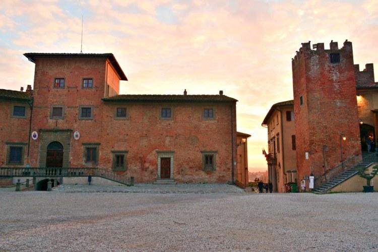 Edifici storici nel borgo toscano di San Miniato in provincia di Pisa