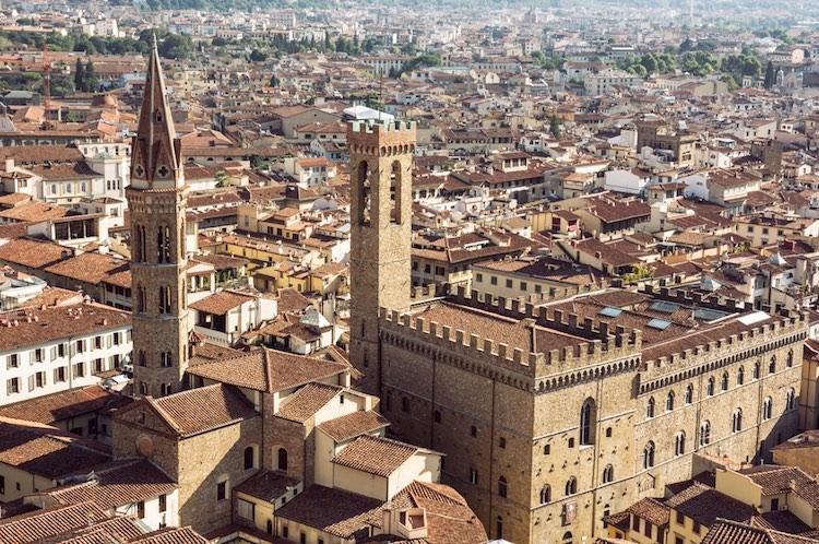 Il Museo Nazionale del Bargello a Firenze conserva opere d'arte d'inestimabile valore di grandi maestri:Michelangelo, Donatello, Della Robbia