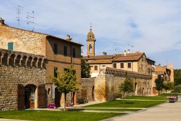 Scopri i borghi delle Crete Senesi in Toscana: Asciano, Buonconvento, Monteroni d'Arbia, San Giovanni d'Asso, Rapolano Terme, Trequanda