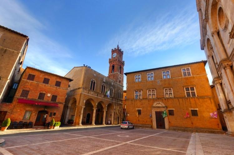 Pienza, borgo toscano della Val d'Orcia, costruito dal Rossellino e detto città dell'utopia, perché progettata secondo i canoni ideali del Rinascimento