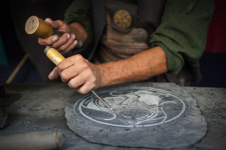 Storia dell'arte dello scalpellino che faceva parte delle antiche Corporazioni delle Arti e dei Mestieri di Firenze nel Medioevo e nel Rinascimento