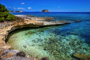 Isola di Pianosa si trova nel Parco Nazionale dell'Arcipelago Toscano. Famosa per il carcere, è oggi una meta ideale per perdersi nel blu del Mediterraneo