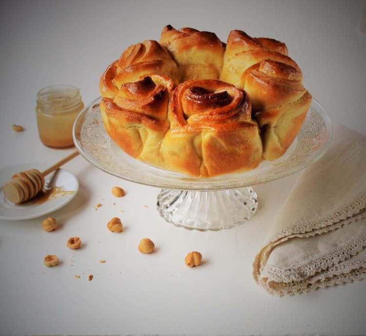 """La ricetta della Challah, conosciuta come il """"pane del sabato"""" della tradizione ebraica, con piccole variazioni che le regalano un tocco di made in tuscany"""