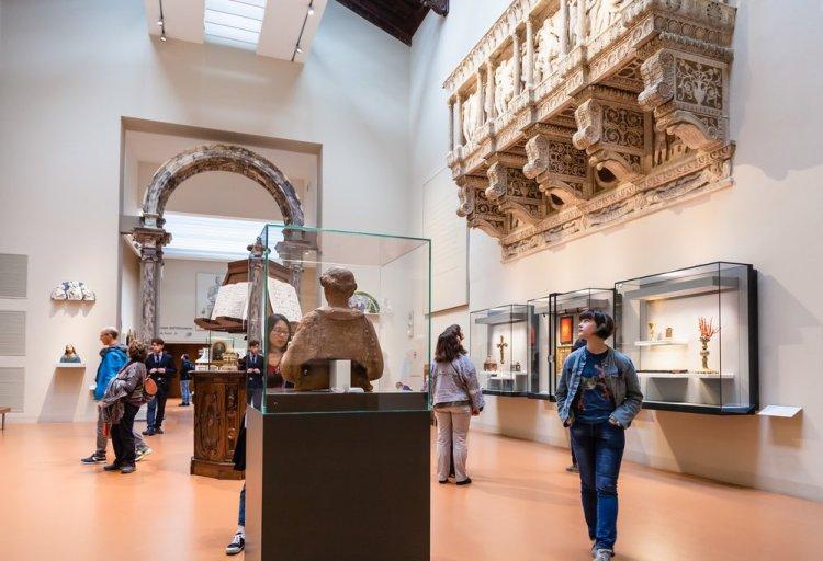 La cantoria del Duomo di Firenze realizzata da Donatello, oggi presso l'Opera del Duomo