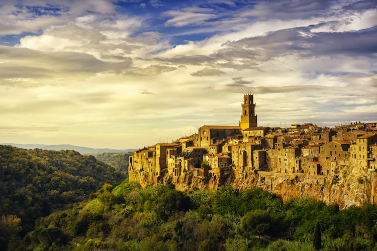 Pitigliano, detto la piccola Gerusalemme è un borgo toscano in Maremma. Luogo dal fascino senza tempo è meta ideale per un weekend in Toscana