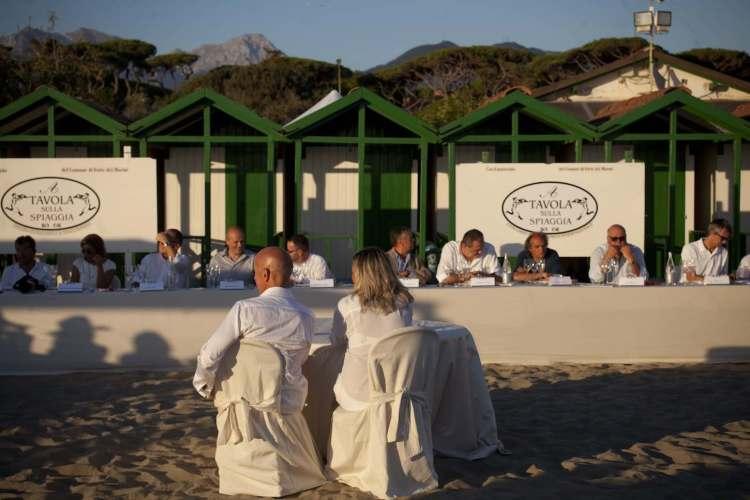 A tavola sulla spiaggia - XXIV edizione - Forte dei Marmi al Bagno Piero