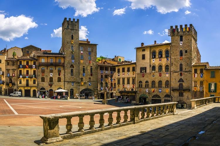 Palazzi di Piazza Grande a Arezzo in Toscana