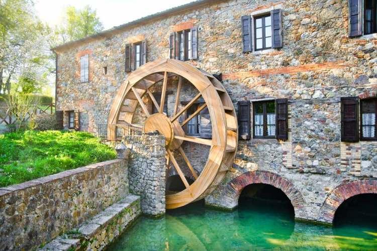 Il famoso mulino della Mulino Bianco si trova in Toscana a Chiusdino