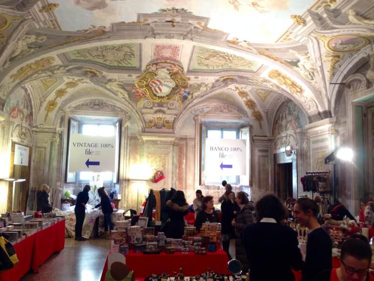 NatalePerFile è il mercato solidale di Natale che ogni anno si tiene a Palazzo Corsini a Firenze, un'occasione per trovare tante idee regalo