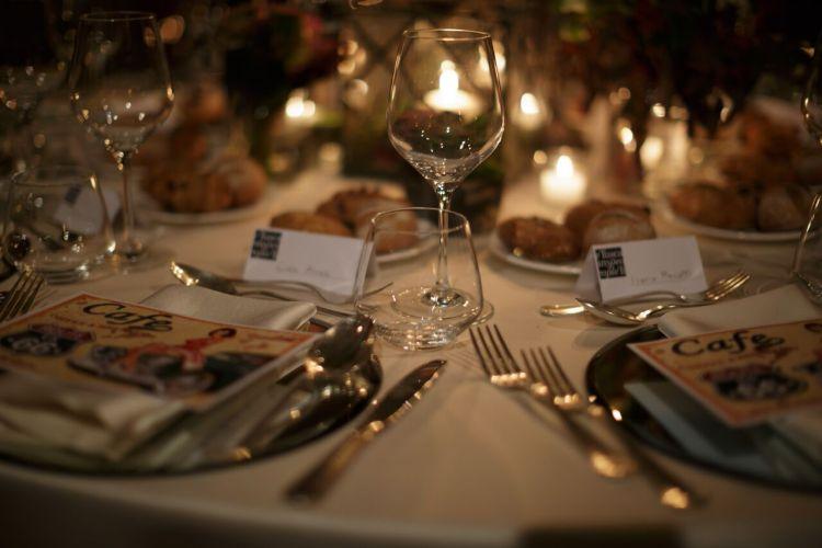Cene segrete, social dinner, supper club: tanti sono i nomi della nuova moda Food-design&Wine che da New York sta imperversando in Toscana
