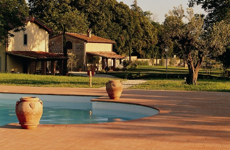Monsignor della Casa Country Resort & SPA, hotel lusso per weekend in Toscana, si trova in Mugello vicino all'Autodromo e a 30 min da Firenze