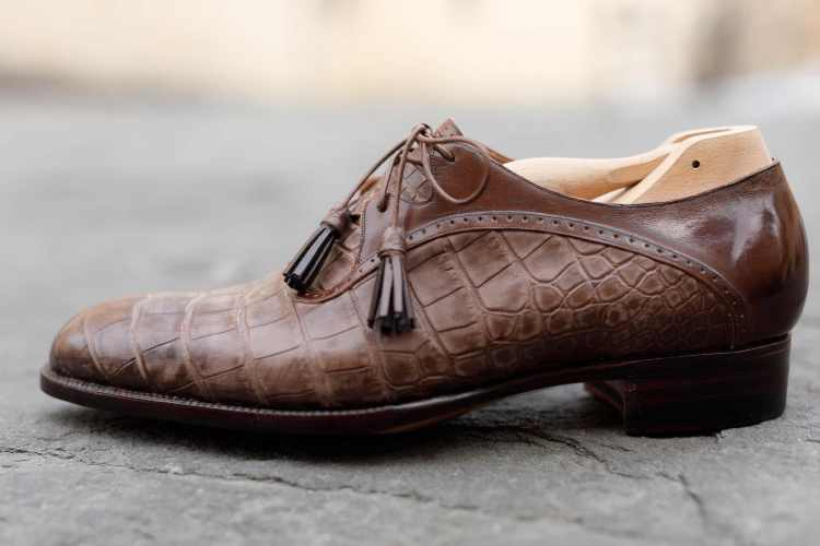 Su TuscanyPeople, l'intervista a Roberto Ugolini, l'artigiano delle scarpe su misura