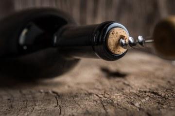Al Cinema Odeon il 4 novembre 2017 presentazione de il Conte Mascetti, il nuovo vino de La Tognazza, etichetta vinicola di Gian Marco Tognazzi