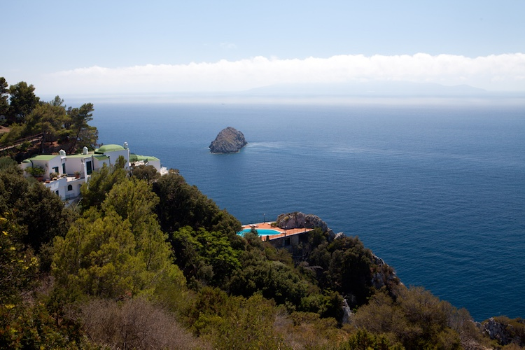Ansedonia è un borgo toscano affacciato sul Mar Tirreno sulla costa sud del Monte Argentario