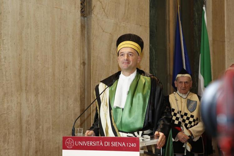 L' Università di Siena è una delle prime scuole di formazione superiore di Italia, fondata nel 1240