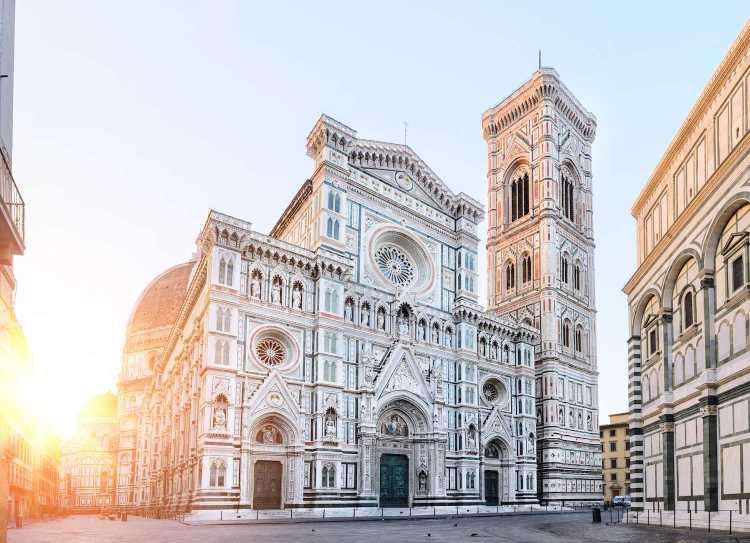 La cupola del Duomo di Firenze è molto più che un capolavoro. E' quasi un miracolo, un favoloso mistero non del tutto svelato, creato dalla mente geniale di Filippo Brunelleschi.