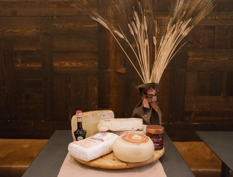 Il Forno Garbo Gastronomia è una realtà di eccellenza a Firenze per chi è alla ricerca di una gastronomia gourmet per pranzi veloci o cibo di asporto di alta qualità.