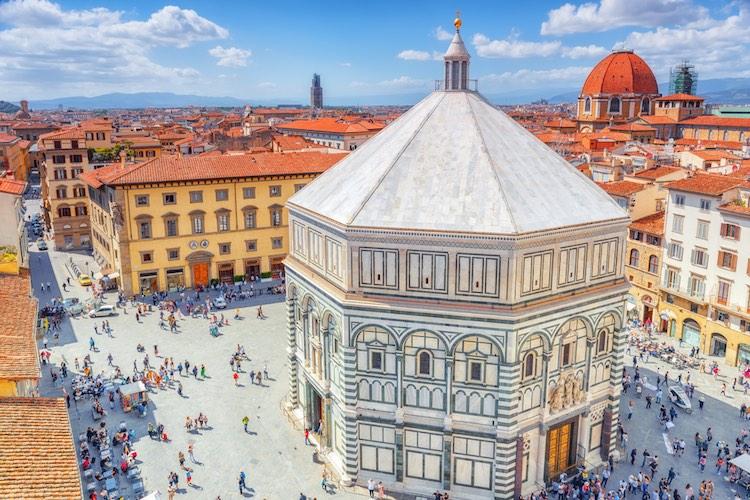 Il Battistero di San Giovanni si trova nel quartiere storico di San Giovanni a Firenze