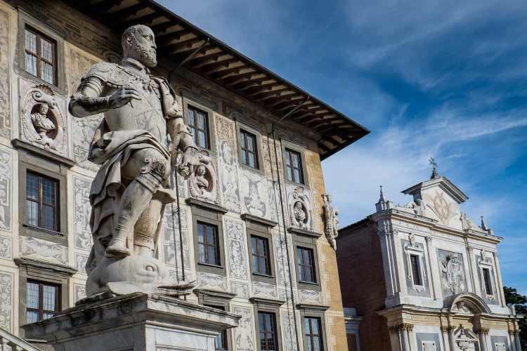 Cosimo I de Medici, figlio di Giovanni dalle Bande Nere, è stato il primo Granduca di Toscana, ottenendo il titolo da papa Pio V nel 1569.