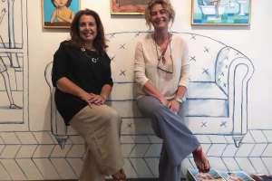 Susanna Orlando è una gallerista toscana specializzata nell'abbinamento tra quadro e cornice, proprietaria della Galleria Susanna Orlando