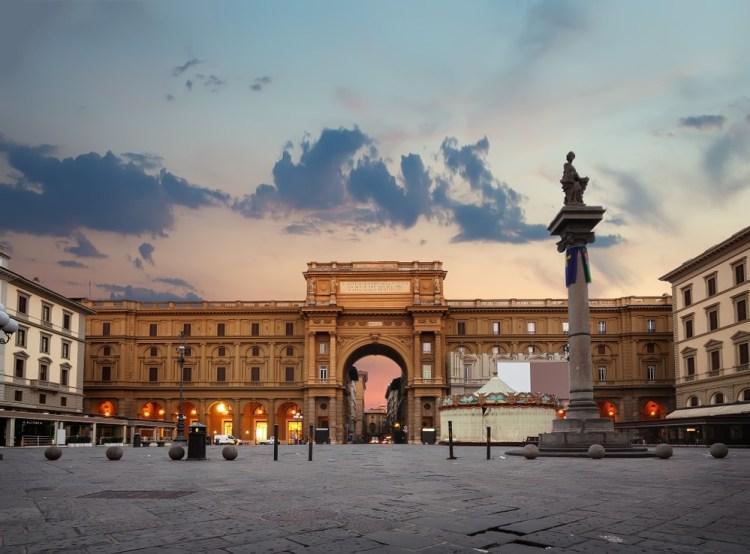 Alla scoperta dei mercati di Firenze, da Sant'Ambrogio a San Lorenzo, dal Mercato Vecchio a quello Nuovo un tour tra arte, storia e food