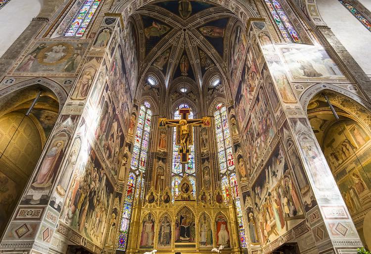 Piazza Santa Croce è una delle più importanti di Firenze. Qui sorgono: la Basilica di Santa Croce, la statua di Dante e molti palazzi storici