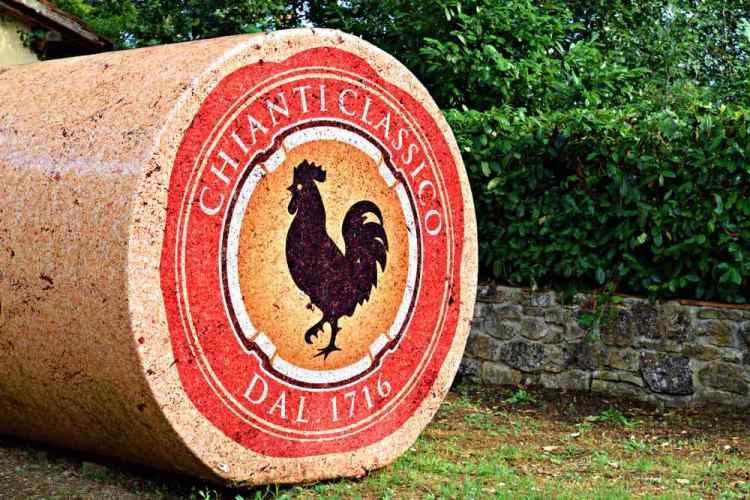Perché il Chianti Classico ha come simbolo il Gallo Nero? Che gallo è? Ma soprattuto perché non tutte le bottiglie di Chianti ce l'hanno ?