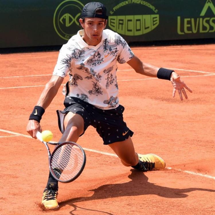 Intervista a Lorenzo Musetti, giovane promessa toscana del tennis internazionale: è il Numero 1 della classifica mondiale ITF Juniores